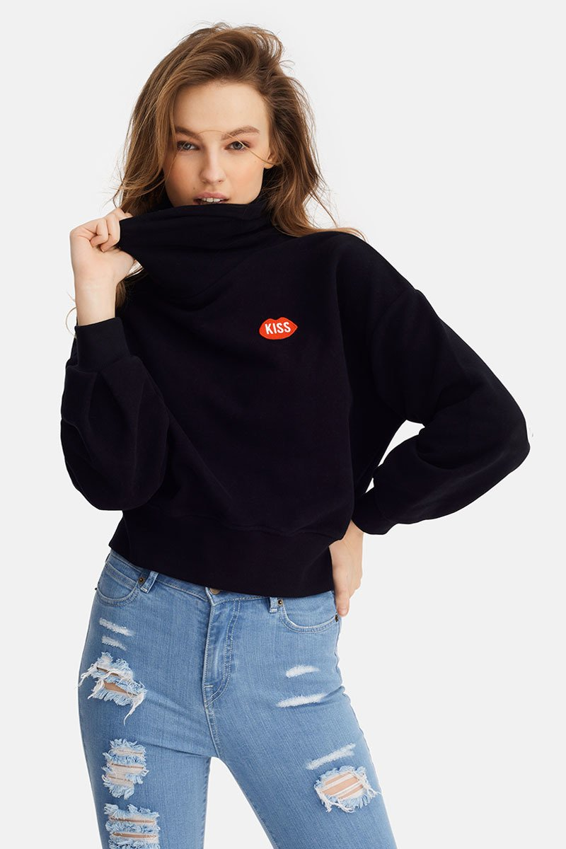 KISS Naive Turtleneck Black Sweatshirt